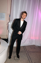 CHRISTOPHER BAILEY at the British Fashion Awards 2006 sponsored by Swarovski held at the V&A Museum, Cromwell Road, London SW7 on 2nd November 2006.<br /><br />NON EXCLUSIVE - WORLD RIGHTS