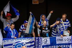 19-02-2017 NED: Bekerfinale Draisma Dynamo - Seesing Personeel Orion, Zwolle<br /> In een uitverkochte Landstede Topsporthal wint Orion met 3-1 de bekerfinale van Dynamo / Support publiek sfeer