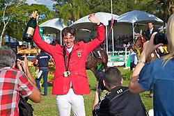 Hans-Torben Ruder após vencer o The Best Jump 2012, na Sociedade Hípica Porto Alegrense. FOTO: Jefferson Bernardes/Preview.com