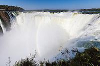 CATARATAS DEL IGUAZU, GARGANTA DEL DIABLO Y ARCO IRIS, PARQUE NACIONAL IGUAZU, PROVINCIA DE MISIONES, ARGENTINA (© MARCO GUOLI - ALL RIGHTS RESERVED)