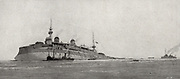 December 27, 1916, 8:52 am, the french armor Gauls torpedo a day's drive from Thessaloniki, is evacuated by the crew a few moments before capsizing. The trawler patrol Rochebonne, rushed to the scene of the accident, and the destroyer Dard, who escortrait the Gauls, gather men and state staff.