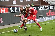 Fussball: 2. Bundesliga, FC St. Pauli - Fortuna Düsseldorf 0:3, Hamburg, 20.12.2020<br /> Sebastian Ohlsson (Pauli, l.) - Thomas Pledl (Fortuna)<br /> © Torsten Helmke