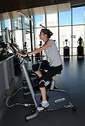 Crystal Kalinec works out at the Student Recreation Center, University of Arizona, Tucson, Arizona, USA.
