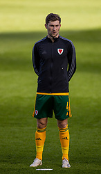 DUBLIN, REPUBLIC OF IRELAND - Sunday, October 11, 2020: Wales' Ben Davies lines-up for the national anthem before the UEFA Nations League Group Stage League B Group 4 match between Republic of Ireland and Wales at the Aviva Stadium. The game ended in a 0-0 draw. (Pic by David Rawcliffe/Propaganda)