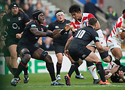 Twickenham, United Kingdom, Saturday, 17th  November 2018, RFU, Rugby, Stadium, England,  Akihito YAMADA, going for the gap between left, Maro ITOJE and 10 George FORD, during the Quilter Autumn International, England vs Japan, © Peter Spurrier
