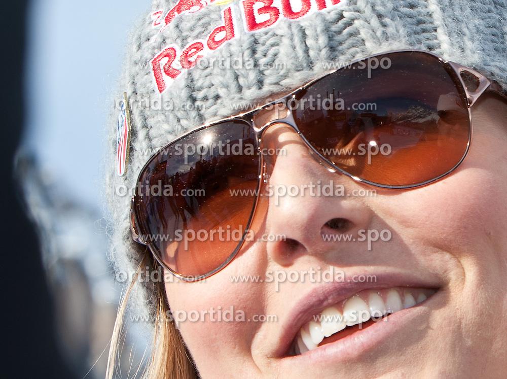 23.01.2011, Tofana, Cortina d Ampezzo, ITA, FIS World Cup Ski Alpin, Lady, Cortina, SuperG, im BildLindsey Vonn (USA, #18, Platz 1) // Lindsey Vonn (USA, place 1) during FIS Ski Worldcup ladies SuperG at pista Tofana in Cortina d Ampezzo, Italy on 23/1/2011. EXPA Pictures © 2011, PhotoCredit: EXPA/ J. Groder