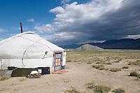 Mongolie. Province de Bayan Olgii. Campement Kazakh. // Mongolia. Bayan Olgii province. Kazakh camp.