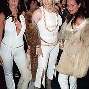 Playboy Feest 2000, Tara van de Berg, travestiet Mayday en Sabine