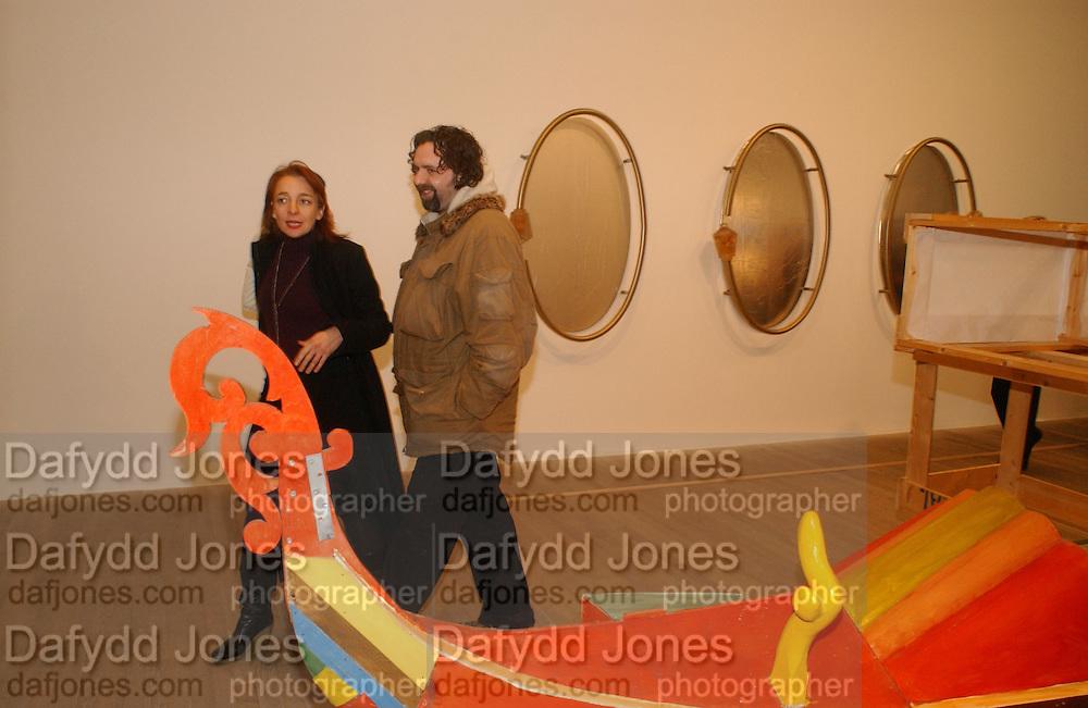Natalie Vallois and Keith Tyson. Martin Kippenberger, Tate Modern. 7 Febriuary 2006. -DO NOT ARCHIVE-© Copyright Photograph by Dafydd Jones 66 Stockwell Park Rd. London SW9 0DA Tel 020 7733 0108 www.dafjones.com