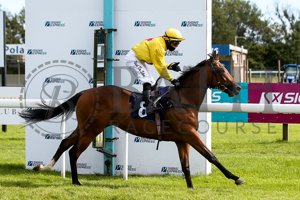 Living On A Dream ridden by Raul Da Silva and trained by James Grassick in the British Stallion Studs EBF Novice Median Auction Stakes - Mandatory by-line: Robbie Stephenson/JMP - 18/07/2020 - HORSE RACING- Bath Racecourse - Bath, England - Bath Races 18/07/20