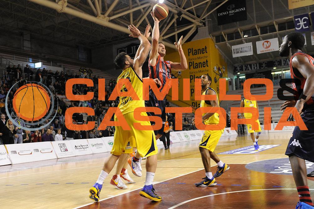 DESCRIZIONE : Ancona Lega A 2012-13 Sutor Montegranaro Angelico Biella<br /> GIOCATORE : Goran Jurak<br /> CATEGORIA : tiro<br /> SQUADRA : Angelico Biella<br /> EVENTO : Campionato Lega A 2012-2013 <br /> GARA : Sutor Montegranaro Angelico Biella<br /> DATA : 02/12/2012<br /> SPORT : Pallacanestro <br /> AUTORE : Agenzia Ciamillo-Castoria/C.De Massis<br /> Galleria : Lega Basket A 2012-2013  <br /> Fotonotizia : Ancona Lega A 2012-13 Sutor Montegranaro Angelico Biella<br /> Predefinita :