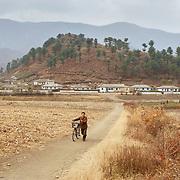 Les villages nord coréens sont majoritairement des fermes communautaires spécialisées dans un ou plusieurs types de cultures.