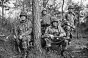 Compétition de tir à la carabine au River Bend gun club. Ces paramilitaires retraités passent leur temps à se procurer les équipements d'origine de la guerre du Viet-Nam. Ils ne veulent pas être oubliés. Dawsonville, USA.