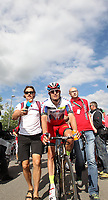 Sykkel<br /> Sveits Rundt 2015<br /> Foto: imago/Digitalsport<br /> NORWAY ONLY<br /> <br /> 19.06.2015 Schweiz Düdingen, 7. Etappe Biel/Bienne - Düdingen KRISTOFF Alexander NOR KAT Sieger 7. Etappe mit Betreuer und UCI