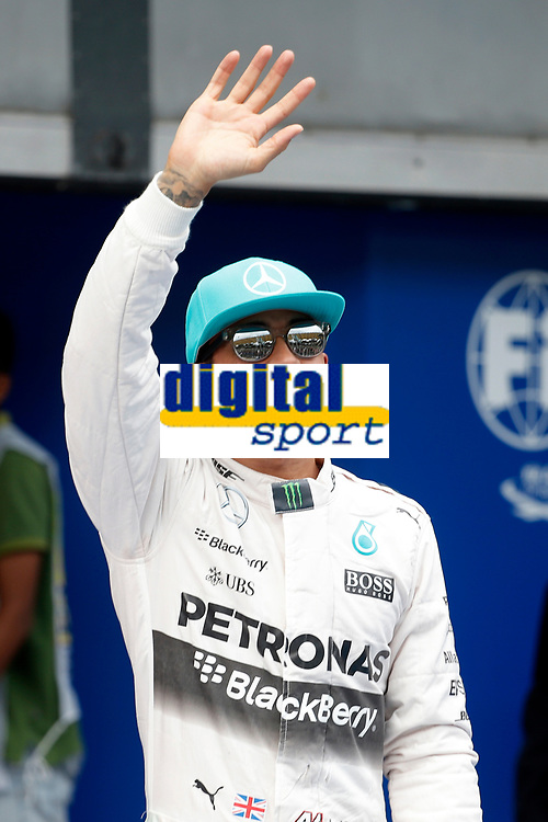 HAMILTON lewis (gbr) mercedes gp mgp w06 ambiance portrait pole position during 2015 Formula 1 FIA world championship, Malaysia Grand Prix, at Sepang from March 27th to 30th. Photo Francois Flamand / DPPI