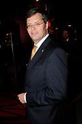 Lee Towers in Ahoy met zijn One Night Only concert ter gelegenheid van zijn 35-jarig artiestenjubileum. <br /> <br /> Op de foto: Jan Peter Balkenende
