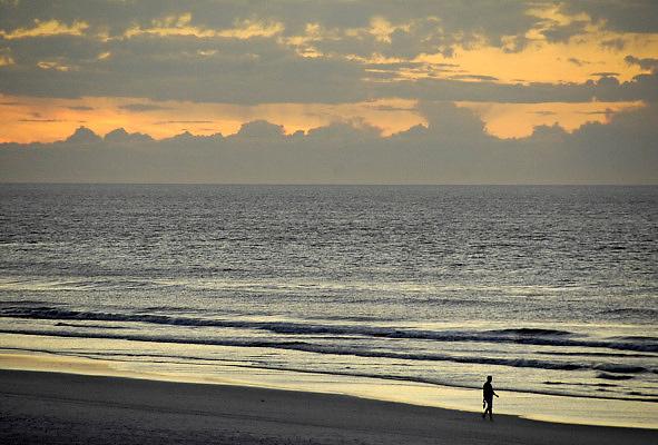 Nederland, Ameland, 21-8-2010Zonsondergang aan het strand van Ameland ter hoogte van Buren.Foto: Flip Franssen/Hollandse Hoogte