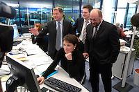12 JAN 2004, BERLIN/GERMANY:<br /> Olaf Scholz (L), SPD Generalsekretaer, und Martin Schulz (R), SPD Spitzenkandidat, eroeffnen den Europa Wahlkampf mit einer Besichtigung der SPD Europa Kampa, Wahlkampfzentrale fuer die Wahl des Europaeischen Parlamentes im Willy-Brandt-Haus<br /> IMAGE: 20040112-02-029<br /> KEYWORDS: Eröffnung, Eroeffnung