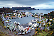 Fosnavåg city is the municipal center of Herøy in Møre og Romsdal county, Norway | Fosnavåg by er kommunesenteret i Herøy kommune, Møre og Romsdal.