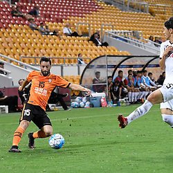 BRISBANE, AUSTRALIA - FEBRUARY 21: Arana of the Roar crosses the ball during the Asian Champions League Group Stage match between the Brisbane Roar and Muangthong United FC at Suncorp Stadium on February 21, 2017 in Brisbane, Australia. (Photo by Patrick Kearney/Brisbane Roar)
