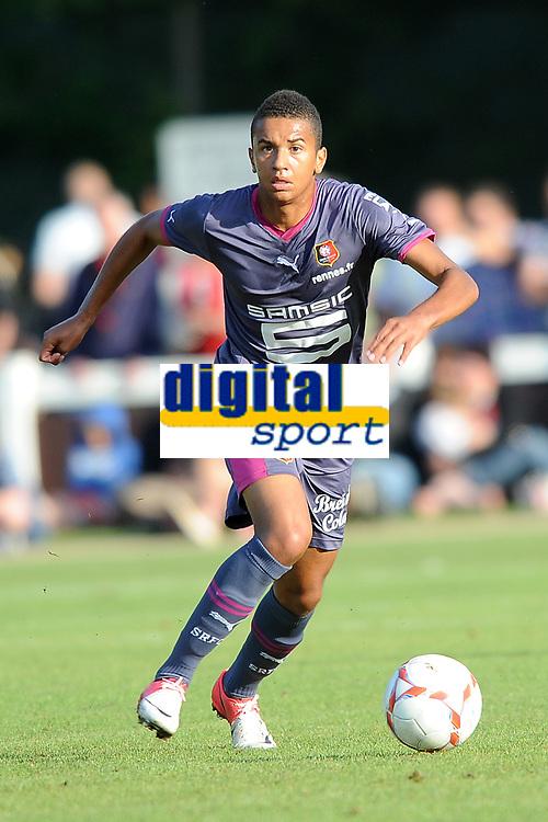 FOOTBALL - FRIENDLY GAMES 2012/2013 - STADE RENNAIS v FC LORIENT - 21/07/2011 - PHOTO PASCAL ALLEE / DPPI - AXEL NGANDO (RENNES )