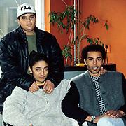 Yasmine Farell, ex vrouw van Bobby Farell met zoon en nieuwe vriend in Lelystad