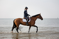 Hough Lauren, (USA), Ohlala  relaxing at the beach<br /> Furusiyya FEI Nations Cup presented by Longines <br /> La Baule 2016<br /> © Hippo Foto - Dirk Caremans<br /> 14/05/16