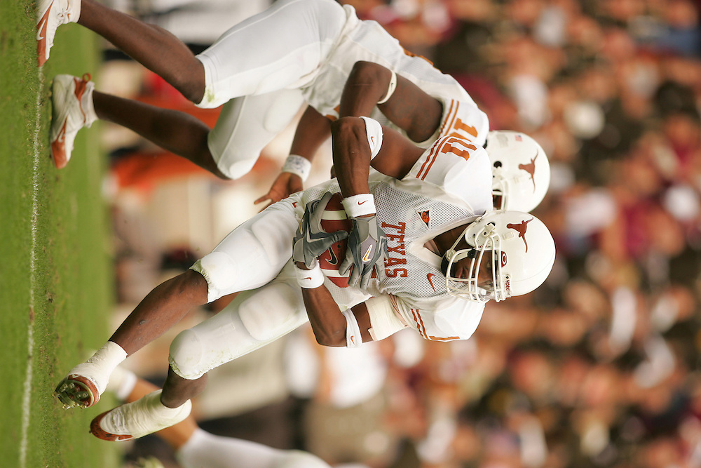 Ramonce Taylor.Texas at Texas A&M.Kyle Field.College Station, TX.Friday, November 25 2005.11-25-05.photograph by Darren Carroll.