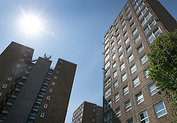 © Licensed to London News Pictures. 11/08/2017. London, UK. Morning sunshine on the Ledbury Estate. Residents on the Ledbury Estate in south London have been told they will have to leave their properties over the next few weeks. A structural survey carried out after the Grenfell fire found cracks that could lead to a collapse if a gas explosion occured in one of the flats. Photo credit: Peter Macdiarmid/LNP