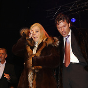 Corrie Konings 35 jaar in vak, Corry komt huilend binnen
