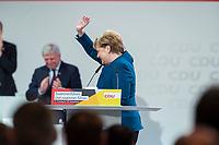 07 DEC 2018, HAMBURG/GERMANY:<br /> Angela Merkel, CDU, Bundeskanzlerin, geht noch einmal ans Rednerpult, nach Ihrer letzten Rede als Parteivorsitzende, CDU Bundesparteitag, Messe Hamburg<br /> IMAGE: 20181207-01-064<br /> KEYWORDS: party congress