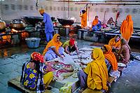 Inde, Delhi, vieux Delhi, temple sikh de Gurudwara Sis Ganj Sahib, les cuisines // India, Delhi, Old Delhi, sikh temple of Gurudwara Sis Ganj Sahib, the kitchen