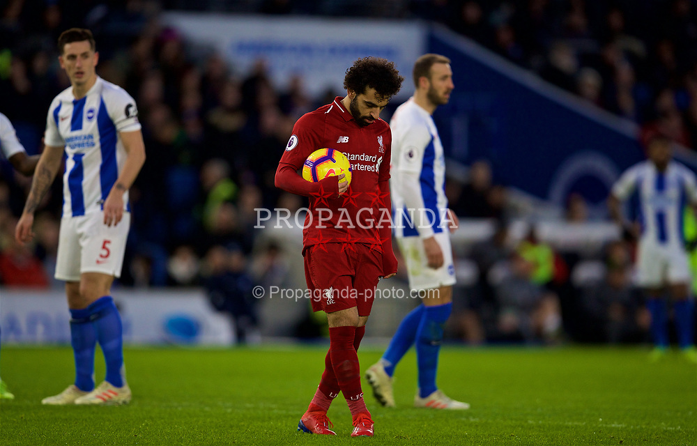 BRIGHTON AND HOVE, ENGLAND - Saturday, January 12, 2019: Liverpool's Mohamed Salah prepares to take a penalty kick during the FA Premier League match between Brighton & Hove Albion FC and Liverpool FC at the American Express Community Stadium. Liverpool won 1-0. (Pic by David Rawcliffe/Propaganda)