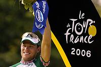 Sykkel<br /> Tour de France 2006<br /> Siste etappe Paris<br /> Foto: Dppi/Digitalsport<br /> NORWAY ONLY<br /> <br /> CYCLING - UCI PRO TOUR - TOUR DE FRANCE 2006 - 23/07/2006 <br />                         <br /> STAGE 20 - ANTHONY > PARIS - THOR HUSHOVD (NOR) / CREDIT AGRICOLE / WINNER