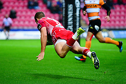 Tian Meyer of Toyota Cheetahs scores a try - Mandatory by-line: Dougie Allward/JMP - 02/11/2019 - RUGBY - Parc y Scarlets - Llanelli, Wales - Scarlets v Toyota Cheetahs - Guinness PRO14