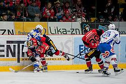 29.01.2017, Ice Rink, Znojmo, CZE, EBEL, HC Orli Znojmo vs EC VSV, Qualifikationsrunde, im Bild v.l. Markus Schlacher (EC VSV) Patryk Wronka (HC Orli Znojmo) Martin Podesva (HC Orli Znojmo) Kevin Wehrs (EC VSV) // during the Erste Bank Icehockey League qualification round match between HC Orli Znojmo and EC VSV at the Ice Rink in Znojmo, Czech Republic on 2017/01/29. EXPA Pictures © 2017, PhotoCredit: EXPA/ Rostislav Pfeffer