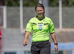 Dommer Frida Klarlund under træningskampen mellem FC Helsingør og HIK den 1. august 2020 på Helsingør Ny Stadion (Foto: Claus Birch).