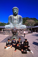 Japanese school children, Daibutsu (The Great Buddha), Kotoku-in, Nase, Kamakura, Japan