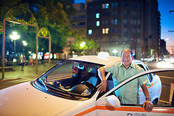 O taxista João Ribeiro, que carregou feridos da boate para hospitais durante a tragédia onde morreram mais de 230 pessoas no incêndio da Boate Kiss. FOTO: Jefferson Bernardes/Preview.com