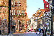 Nederland, Doesburg, 9-3-2019Oude monumentale binnenstad, mosterdstad, middeleeuwse stadskern . De Waag, het oudste cafe-restaurant van nederland . horeca,hotel,restaurant,cafe ,Foto: Flip Franssen