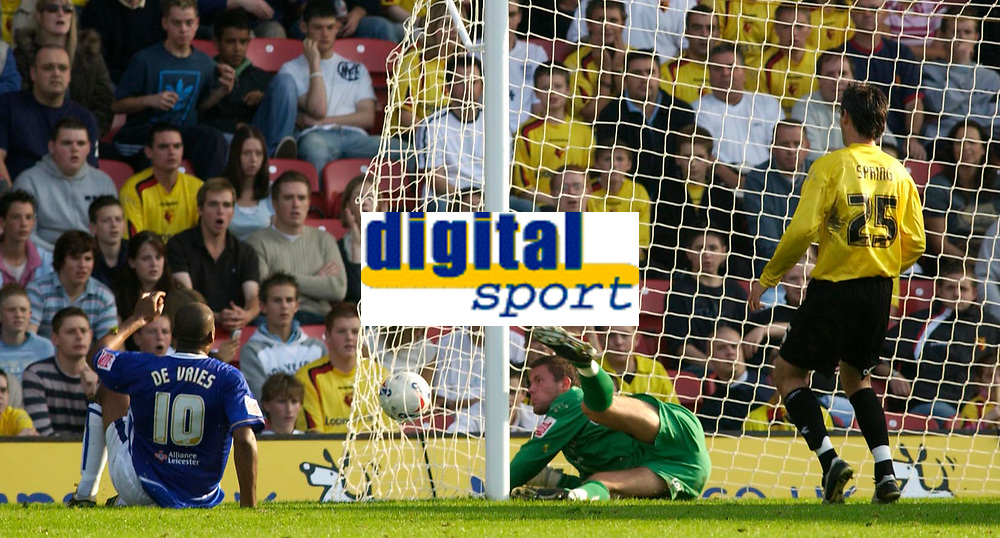 Photo: Daniel Hambury.<br />Watford v Leicester City. Coca Cola Championship.<br />15/10/2005.<br />Watford's keeper Ben Foster and Matthew Spring can do nothing as Leicester's Mark de Vries scores the opening goal.