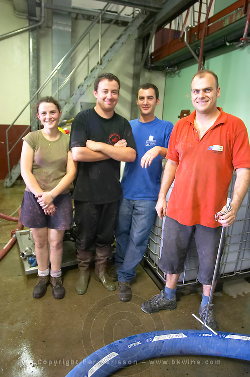 The winemaking team with Olivier, the oenologist domaine du grand tinel chateauneuf du pape rhone france