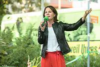 10 SEP 2021, TELTOW/GERMANY:<br /> Annalena Baerbock, MdB, B90/Gruene, Bundesvorsitzende und Spitzenkandidatin, waehrend einer Wahlkampfveranstaltung, August-Mattausch-Park<br /> IMAGE: 20210910-01-012<br /> KEYWORDS: Bundestagswahl, Election Campain, Rede, speech