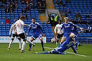 Stefan Johansen of Fullham (l) scores his teams first goal to equalise at 1-1. The Emirates FA Cup, 3rd round match, Cardiff city v Fulham at the Cardiff city stadium in Cardiff, South Wales on Sunday 8th January 2017.<br /> pic by Andrew Orchard, Andrew Orchard sports photography.