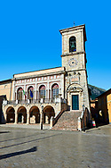 Town Hall, Piazza San Benedetto, Norcia, Umbria, Italy .<br /> <br /> Visit our ITALY HISTORIC PLACES PHOTO COLLECTION for more   photos of Italy to download or buy as prints https://funkystock.photoshelter.com/gallery-collection/2b-Pictures-Images-of-Italy-Photos-of-Italian-Historic-Landmark-Sites/C0000qxA2zGFjd_k<br /> .<br /> <br /> Visit our MEDIEVAL PHOTO COLLECTIONS for more   photos  to download or buy as prints https://funkystock.photoshelter.com/gallery-collection/Medieval-Middle-Ages-Historic-Places-Arcaeological-Sites-Pictures-Images-of/C0000B5ZA54_WD0s