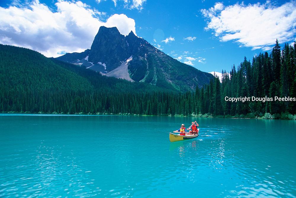 Canoeing, Emerald Lake, Yoho National Park, British Columbia, Canada<br />
