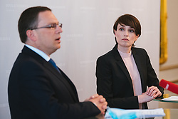 28.04.2020, Hofburg, Wien, AUT, Parlament, Sitzung des Nationalrates mit Aktueller Stunde OeVP und Corona-Gesetze, im Bild v. l. August Woeging (OeVP), Sigi Maurer (Gruene)// during meeting of the National Council with the current hour of the OeVP and corona laws at the Hofburg palace in Vienna, Austria on 2020/04/28, EXPA Pictures © 2020, PhotoCredit: EXPA/ Florian Schroetter