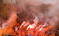 ROTTERDAM - Vreugde bij de Bloemigans, supporters  Bloemendaal, zondag na de finale van de Euro Hockey League in Rotterdam tussen Bloemendaal en het Duitse UHC Hamburg (5-4).
