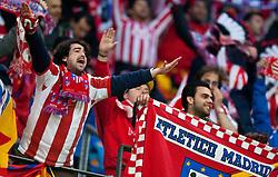 12.05.2010, Hamburg Arena, Hamburg, GER, UEFA Europa League Finale, Atletico Madrid vs Fulham FC im Bild feiernde Atletico Fans, EXPA Pictures © 2010, PhotoCredit: EXPA/ J. Feichter / SPORTIDA PHOTO AGENCY