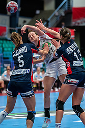 (L-R) Marit Malm Frafjord of Norway, Julia Maidhof of Germany, Kari Brattset Dale of Norway in action during the Women's EHF Euro 2020 match between Germany and Norway at Sydbank Arena on december 05, 2020 in Kolding, Denmark (Photo by RHF Agency/Ronald Hoogendoorn)